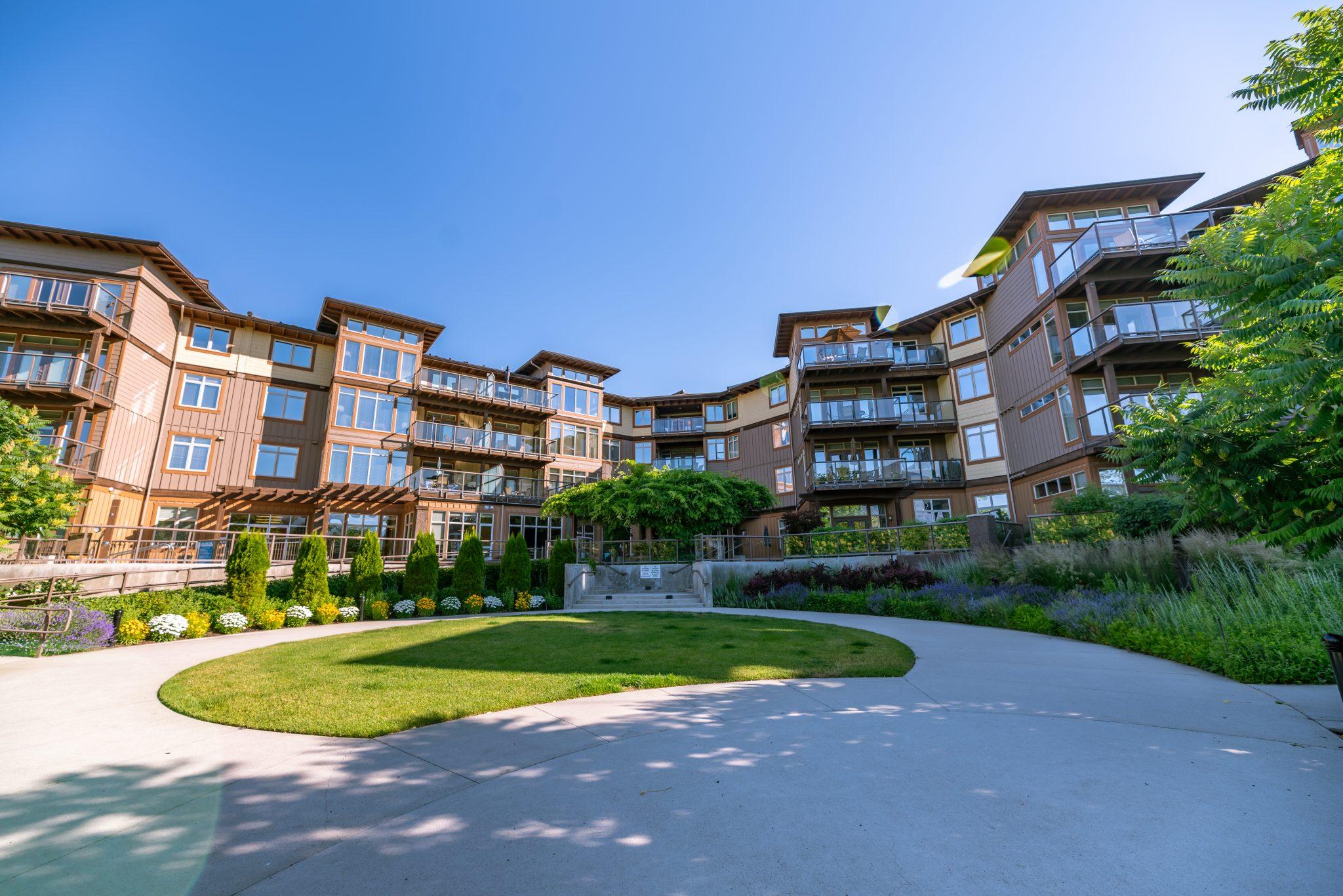 The-Cove-Lakeside-Resort-1